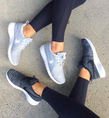 Спортивная обувь тоже может быть стильной
