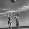 Звезды старого Голливуда на пляже