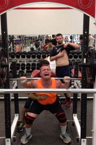 Забавные случаи в спортзале: 23 фото!