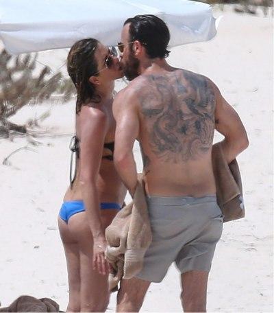 Дженнифер Энистон и Джастин Теру на Багамах