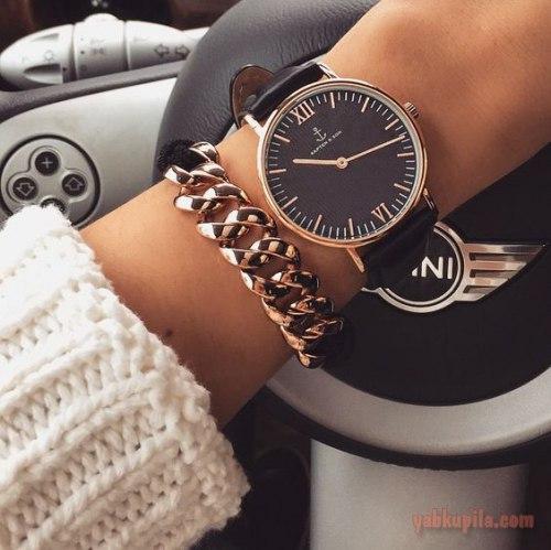 фото женские часы на руке