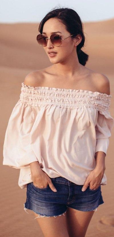 Тренд 2016: модные блузы с открытыми плечами