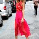 Длинная прозрачная юбка: с чем носить?