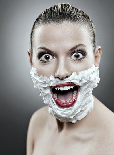 Новый бьюти-тренд, или зачем девушке брить лицо?