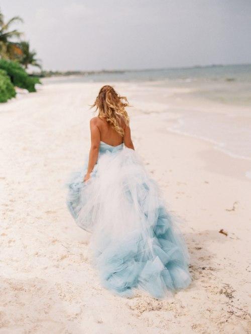 20 лучших платьев для свадьбы на пляже