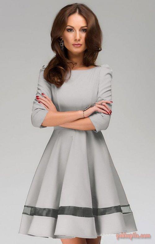 Девушка модель платья на работу ева мария дюрингер