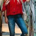Красный цвет в одежде: с чем носить?
