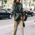 Брюки со штрипками: тепло и модно