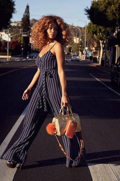 Новая коллекция сумок Michael Kors в кампании The Walk
