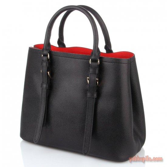 769fe153ba36 Так, в качестве ежедневной практичной сумки для всех можно определить  размер аксессуара, в который с легкостью помещается папка формата А4.