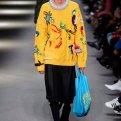 Сумка-пакет: с чем и как носить модный тренд