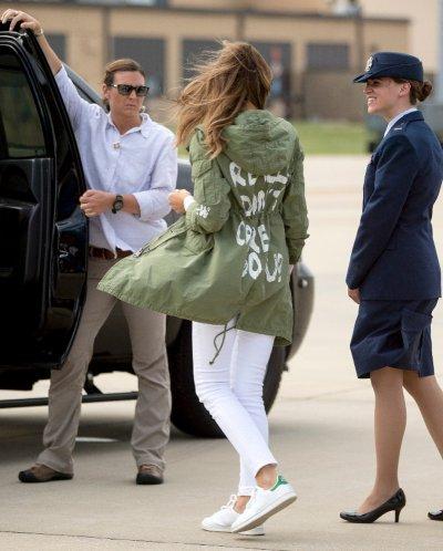 Куртка Мелании Трамп спровоцировала скандал