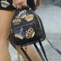 С чем носить рюкзак: 26 модных образов