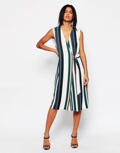 Как выглядеть стройнее: несколько секретов выбора одежды