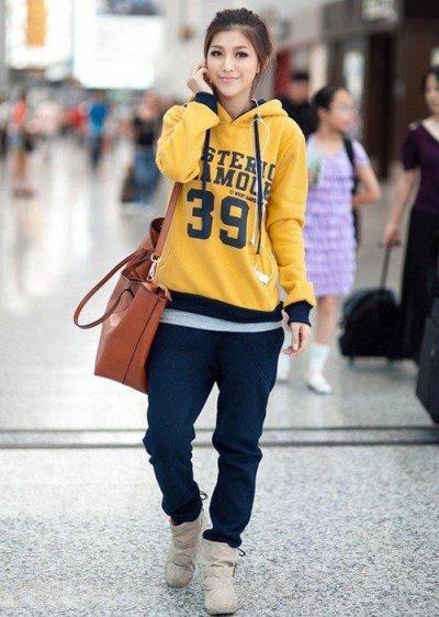 С чем носить толстовку: фото модных образов