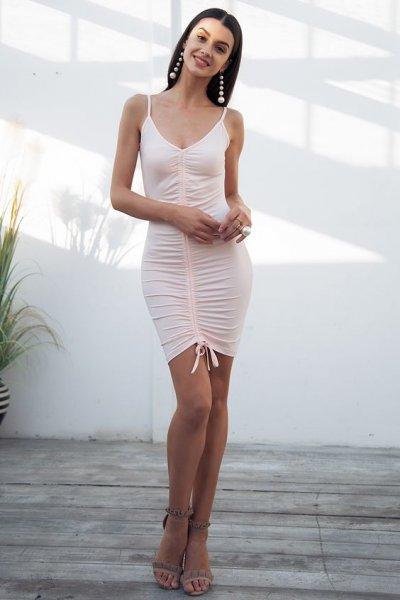 Как одеваться высоким девушкам: правила подбора гардероба